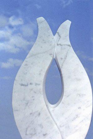 dal 10 al 25 settembre, Rapallo: Il castello si tinge di bianco e mette le 'Ali per amare', mostra personale di ROsy Maccaronio