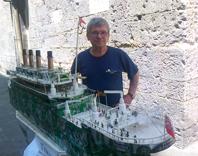 Il mio Titanic va… a tutta birra! Julien e i modellini fatti con le lattine: arte e riciclo, accoppiata perfetta