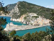 Liguria bella: quanti libri parlano di te!Dante, Petrarca, Byron, Montale, Campana, Pirandello e Calvino: citazioni ed espliciti elogi alla nostra regione