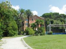 La Rapallo più bella si trova... in biblioteca: fondata da un gruppo di donne, offre curiosità e testimonianze uniche dell'epoca d'oro in riviera