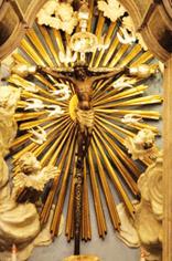 Il Crocifisso Nero di Chiavari : resistette inspiegabilmente a un incendio e fu protagonista di un miracolo che salvò migliaia di levantini. Ma oggi è appena conosciuto e non compare in alcuna guida