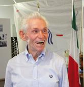 Luciano, campione italiano di sollevamenti pesi: ma il peso più grosso che porta sulle spalle è  il ricordo del suo sacco di castagne disperso dai nazisti