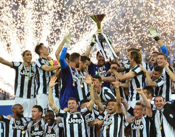 22 Maggio: lo Juventus Club Doc Chiavari  organizza una cena sociale per festeggiare degnamente lo Scudetto!