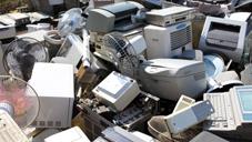 """Programmati per rompersi: frigoriferi, lavatrici, telefonini, lampadine, computer, ma anche i vestiti. Presentata Proposta di Legge contro """"l'obsolescenza programmata"""""""