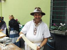 """Favale rinasce grazie ai """"Picossi"""" (uomIni della terra): artigiani, commercianti, chef e contadini insieme per rievocare i """"Mestieri Antichi e Moderni nei Caruggi"""""""