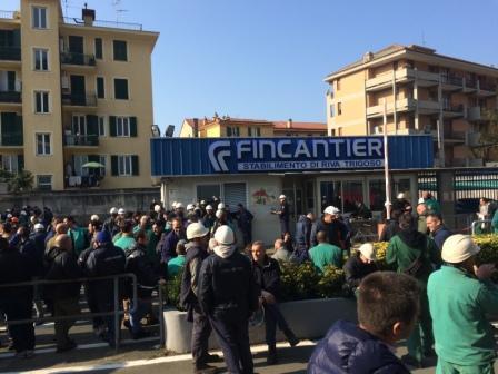 """SUCCEDE ORA - Sciopero con blocco cancelli Fincantieri Riva Trigoso: """"18 navi già programmate ma siamo ritenuti poco redditizi"""""""