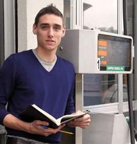 Emanuele, il benzinaio scrittore: dopo il primo libro che lo ha portato in finale al prestigioso Premio Bancarellino, Lagomarsino torna con un romanzo emozionante e che vi farà riflettere sul senso della vita