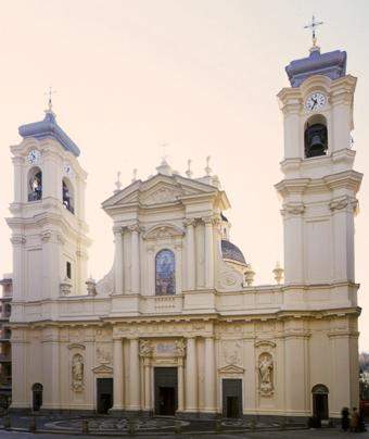 Santa Margherita, che prima fu Pescino, poi Port Napoléon e poi di nuovo Santa Margherita. Ma Ligure. Ecco perché