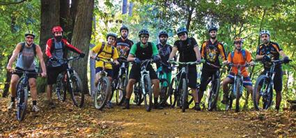 I guardiani dei boschi in bici -  A caccia di pericoli per l'ambiente, gli animali e l'uomo: sono i volontari del Gruppo Mountain Bike del Radio Club Levante