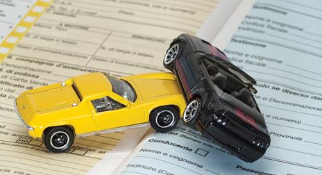 DIRITTO FACILE - Assicurazione auto: che accade in caso di incidente se il premio è stato pagato in ritardo?