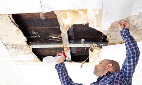 DIRITTO FACILE - CONDOMINIO infiltrazioni dai terrazzi: chi paga i lavori e i danni?