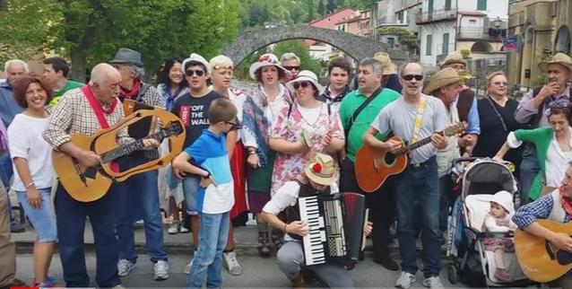 L'ENTROTERRA CANTA MAGGIO! Da Borzonasca alla Val Graveglia allo riscoperta di una tradizione…un po' matta!