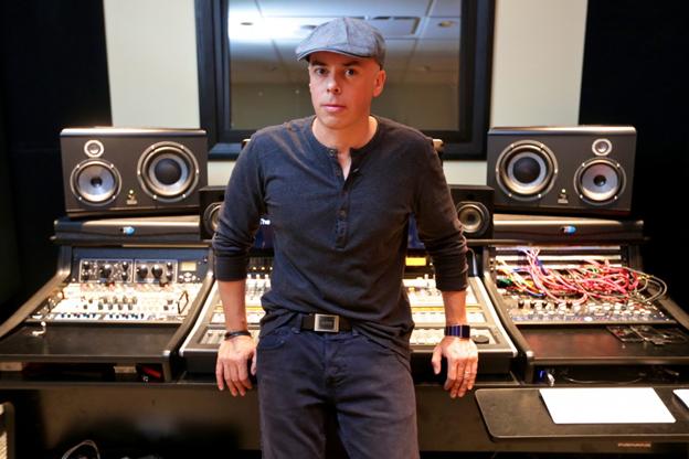 Luca Pretolesi:da un retrobottega di Chiavari alla vetta delle classifiche; ora collabora con star internazionali