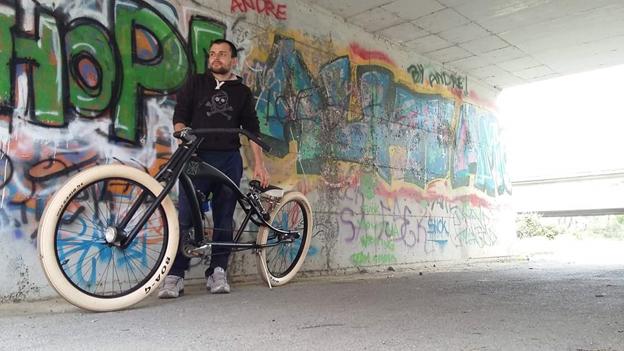 """""""Jek delle biciclette"""": un giovane agricoltore di Chiavari trasforma i rottami in bici uniche e insolite"""